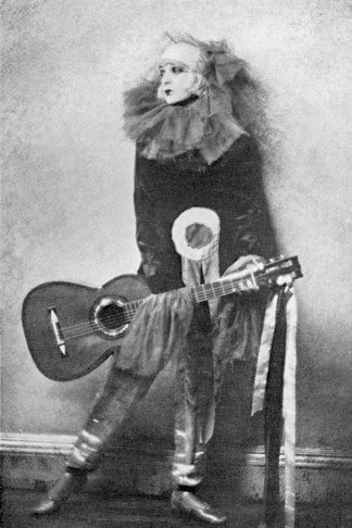 Gertrude-lawrence-w-guitar-pierrot-1-1